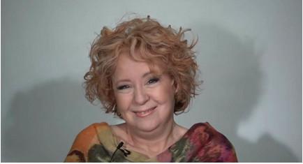 Эта женщина решила преобразиться в своё 60-летие. И её сияющий взгляд говорит сам за себя