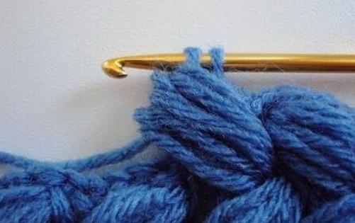 Плетенка из пышных столбиков. Эффектный и простой в исполнении узор крючком...