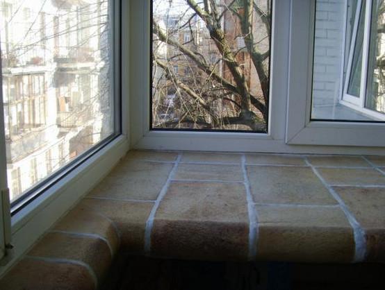 Как оформить подоконник в комнате своими руками