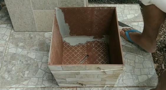 Что можно сделать из ненужной плитки своими руками