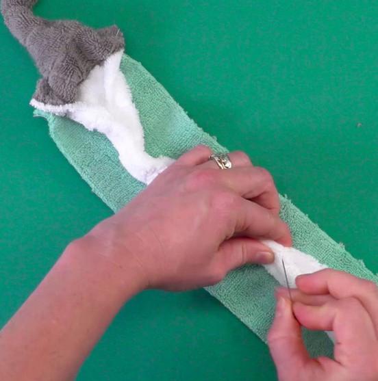 Коврик из полотенец для ванной своими руками. Вам понадобятся только 3 старых полотенца